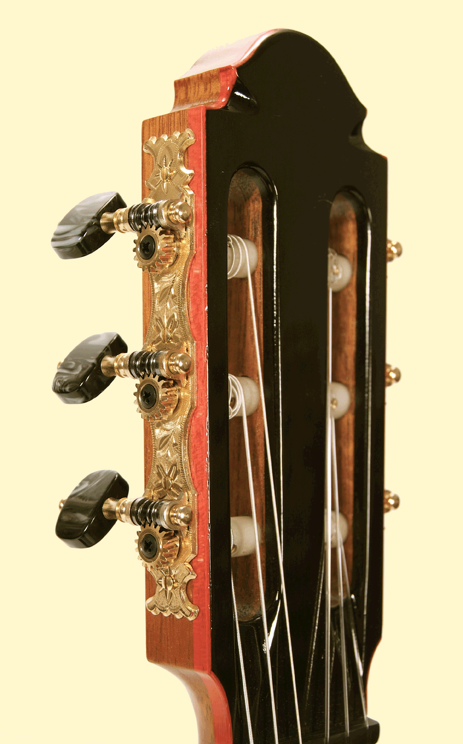 Elwell-Guitar-head2LARGEPIC-Guitar-Luthier-LuthierDB-Image-5